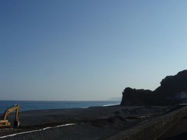 熊野灘を横目に車を走らせる_c0010936_21351038.jpg