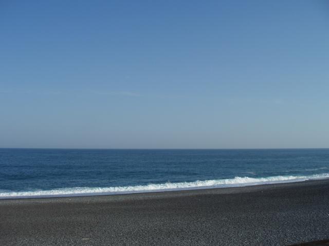 熊野灘を横目に車を走らせる_c0010936_21355074.jpg
