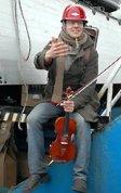▼バイオリンとトランペットをもった渡り鳥も_d0017381_1958018.jpg
