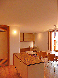 坪井町の家(2008)_b0014003_19111369.jpg