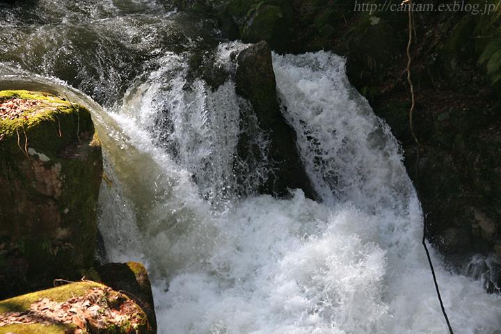 鳥取県の渓谷 かまこしき渓谷_f0091955_23301918.jpg