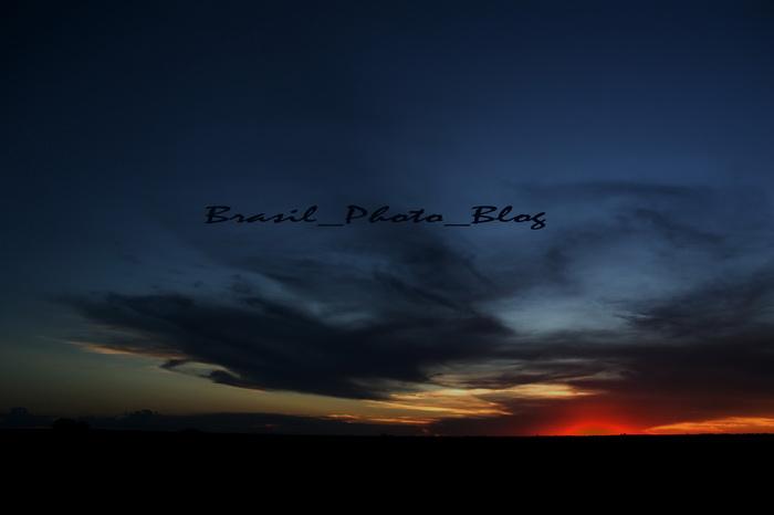 地平線に日が落ちて_e0110461_19365750.jpg