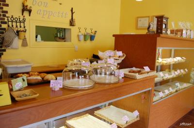 バンクーバーの日本のパン屋さん 「keis Bakery」_d0129786_15252817.jpg