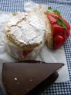 ポワン・プール・ポワンのケーキたち。_c0005672_22152314.jpg