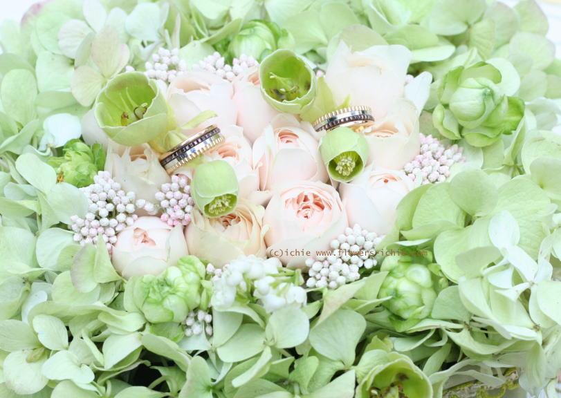 リングピローと祭壇装花 シェ松尾松濤様の装花_a0042928_21133289.jpg