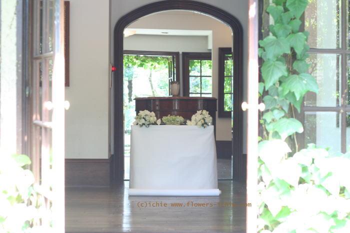 リングピローと祭壇装花 シェ松尾松濤様の装花_a0042928_21141061.jpg