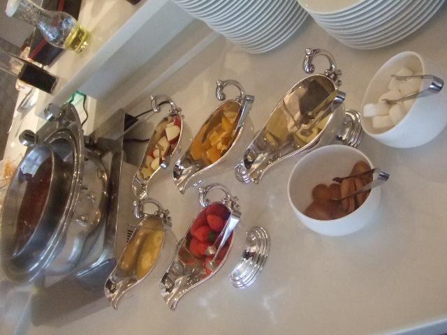 ラディソンホテル成田 ビスタラウンジ チョコレートとクレープ_f0076001_20412451.jpg