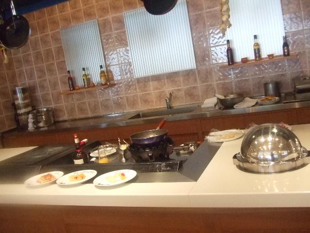 ラディソンホテル成田 ビスタラウンジ チョコレートとクレープ_f0076001_20432182.jpg