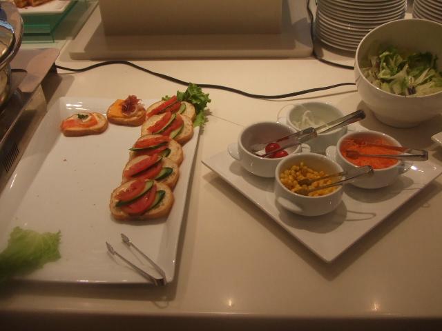 ラディソンホテル成田 ビスタラウンジ チョコレートとクレープ_f0076001_20443041.jpg