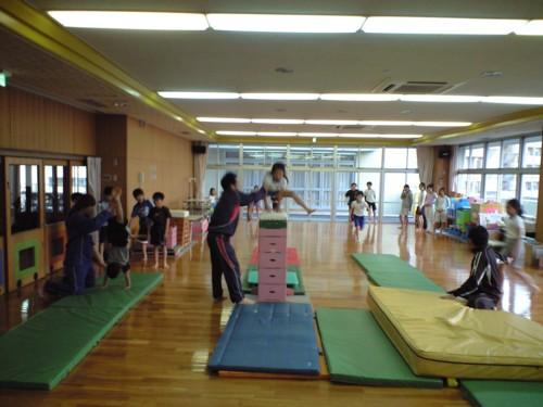体をやわらく~体操クラブ~♪_d0082356_1561998.jpg