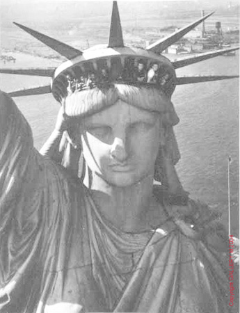 "911再訪:「自由」の女神の独白 (Revisit 9.11: A Monolog of Goddess of ""Liberty\"")_c0139575_2217414.jpg"