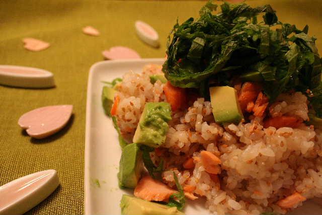 アボカドと鮭の春色ちらし寿司・・・お花見レシピ♪_f0141419_5464416.jpg
