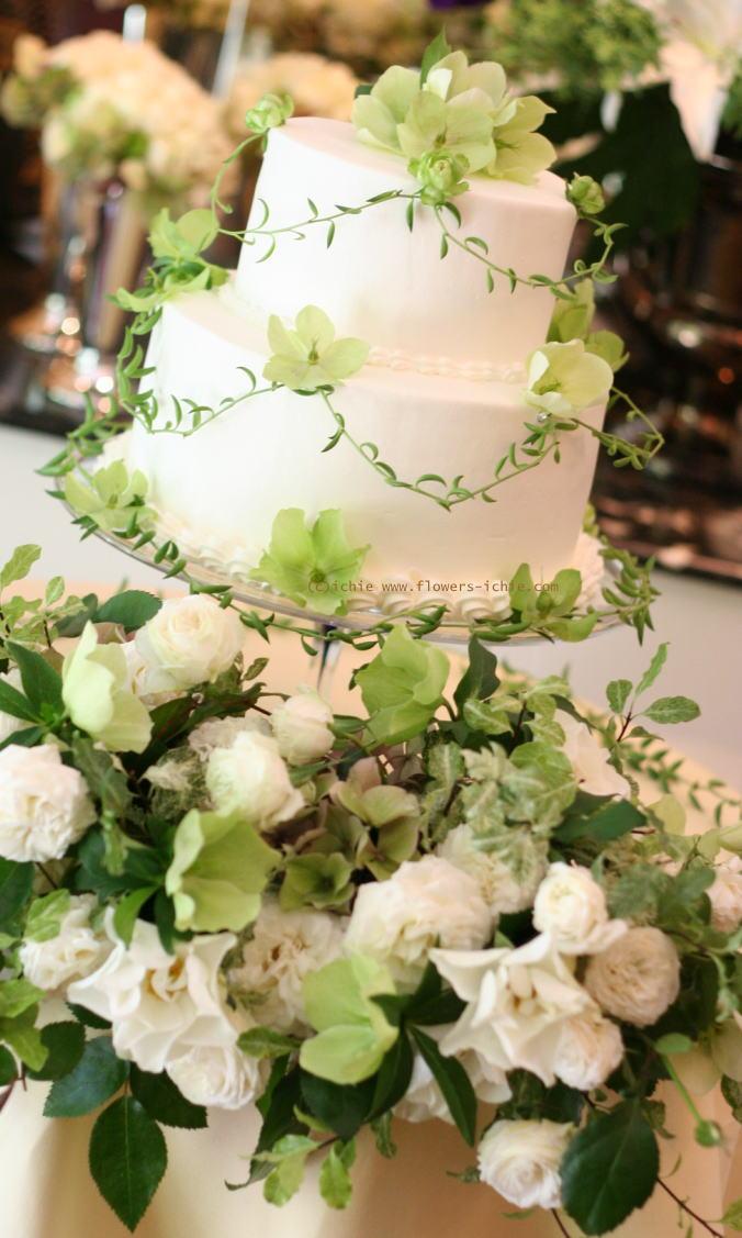 新郎新婦様からのメール ケーキに飾る花 シェ松尾松濤レストラン様の装花_a0042928_2295483.jpg