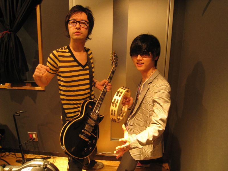 卓偉くんの曲にギターで参加!!_c0015010_1924465.jpg