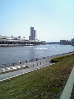 隅田川沿い_c0103712_2220526.jpg