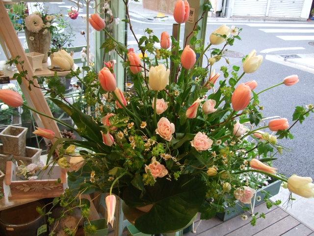 オークリーフ(チューリップの装花)_f0049672_7453790.jpg
