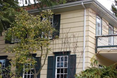 お洒落な住宅外観を拝見。_d0129786_12373388.jpg