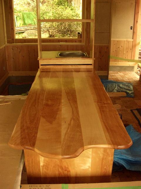 保育園のキッチン、テーブル_e0072513_7393834.jpg