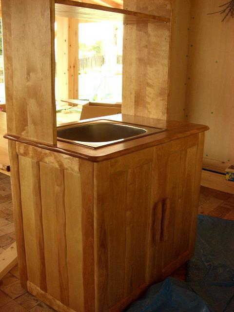 保育園のキッチン、テーブル_e0072513_740449.jpg
