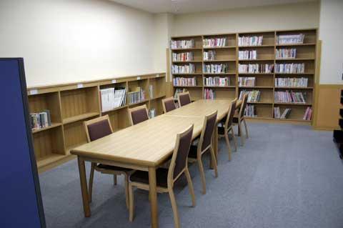 図書館へ行こう…サングリモ中込図書館ご利用案内_f0105218_1291574.jpg