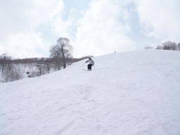 【出撃レポ 4/3】 整地・不整地・新雪・ストップ雪 in かぐら_e0037849_20381314.jpg