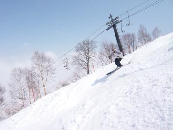 【出撃レポ 4/3】 整地・不整地・新雪・ストップ雪 in かぐら_e0037849_20583046.jpg