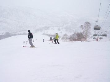 【出撃レポ 4/3】 整地・不整地・新雪・ストップ雪 in かぐら_e0037849_2325011.jpg