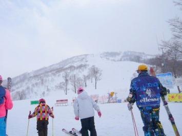 【出撃レポ 4/3】 整地・不整地・新雪・ストップ雪 in かぐら_e0037849_23355272.jpg