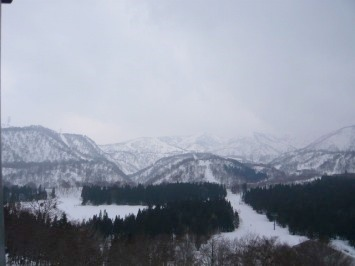【出撃レポ 4/3】 整地・不整地・新雪・ストップ雪 in かぐら_e0037849_23365354.jpg