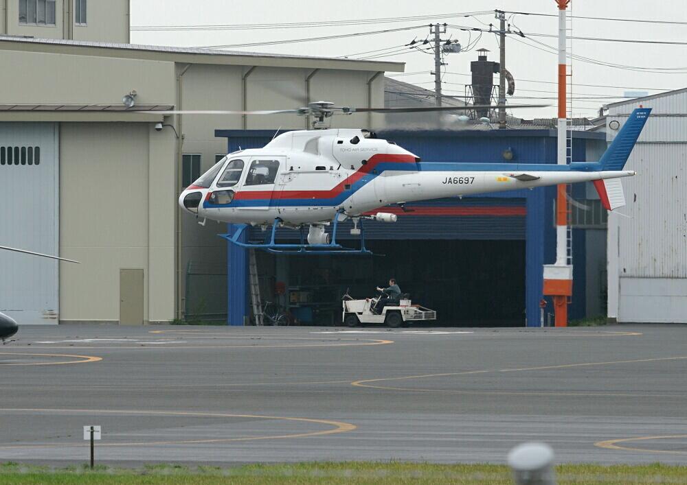 4ヵ月半ぶりの東ヘリ(その2)~JA6697/Aerospatiale AS355F2~_d0137627_02392.jpg