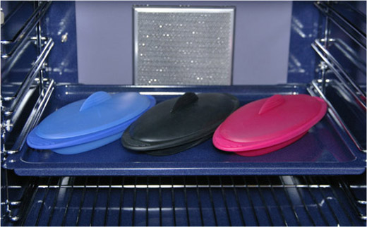 大人気♪♪ シリコンでできた容器?調理道具? レンジ、オーブンどちらもOKです! _c0156359_17442921.jpg
