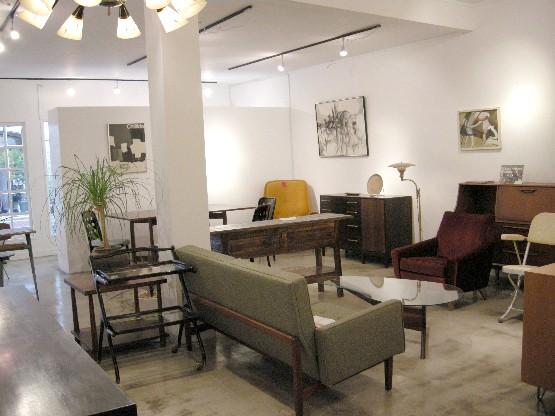 Gallery modern space_a0025778_11445078.jpg