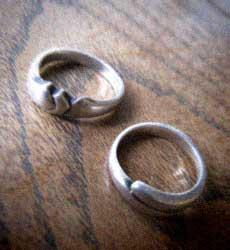 手作りの結婚指輪_d0077603_12162314.jpg