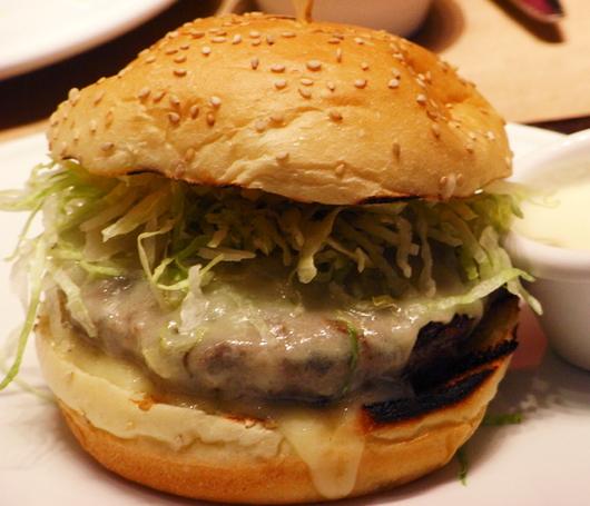 キューピー・マヨネーズのあるハンバーガー屋さん Stand_b0007805_12324988.jpg