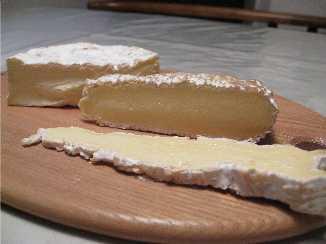 白カビチーズを味わう_f0007061_23562872.jpg