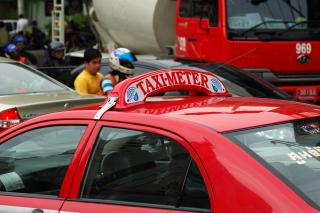 バンコクのタクシー標灯_b0131470_17242652.jpg