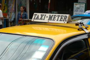 バンコクのタクシー標灯 その3_b0131470_17362753.jpg