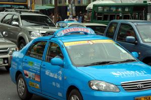 バンコクのタクシー標灯 その4_b0131470_17441492.jpg