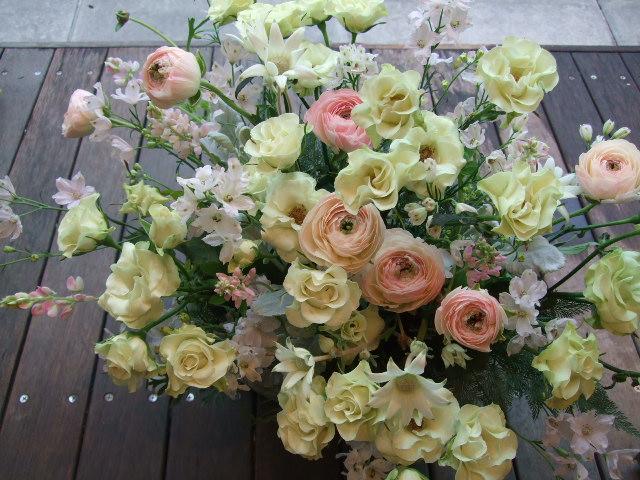オークリーフ(バラ・緑光と桜色のアレンジメント)_f0049672_1502381.jpg