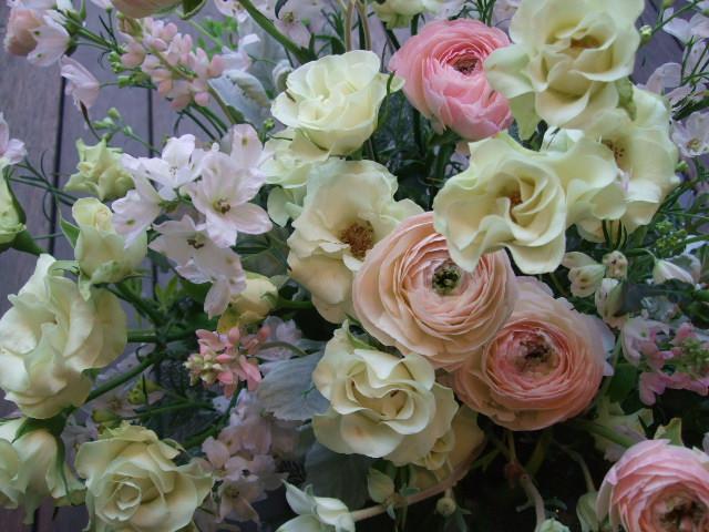 オークリーフ(バラ・緑光と桜色のアレンジメント)_f0049672_1515671.jpg
