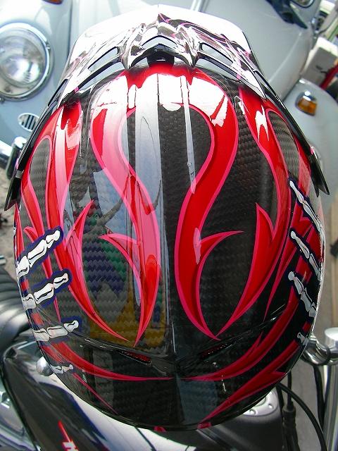 骨骨ヘルメットのその後_a0095515_2113544.jpg