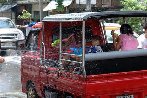 タイの水掛祭り ソンクラーン'07(4)_b0131470_3205763.jpg