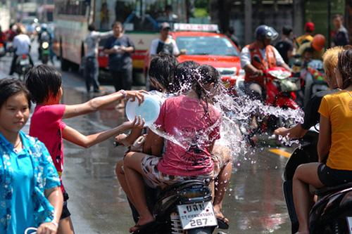 タイの水掛祭り ソンクラーン'07(4)_b0131470_3211797.jpg