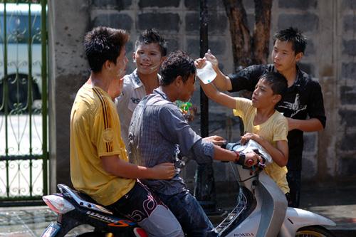 タイの水掛祭り ソンクラーン'07(4)_b0131470_3213646.jpg