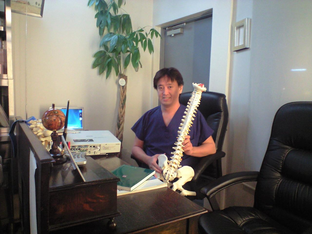 腰痛回復・・・ゴッドハンド名先生_f0053060_13445876.jpg