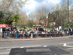 世界最大のマラソン大会「ロンドンマラソン」_e0030586_7371099.jpg