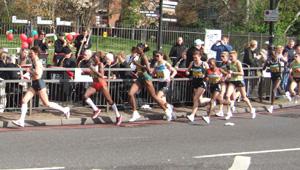 世界最大のマラソン大会「ロンドンマラソン」_e0030586_7373896.jpg