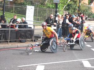 世界最大のマラソン大会「ロンドンマラソン」_e0030586_73842.jpg