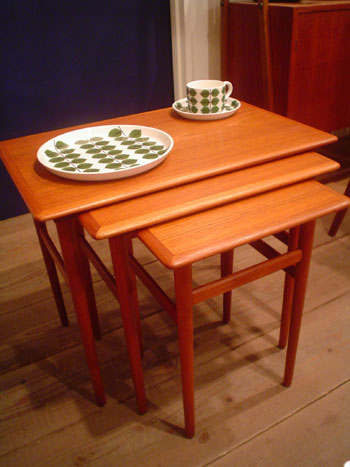 Nesting table (Denmark)_c0139773_202216.jpg