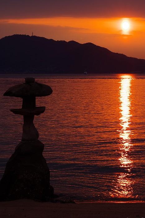 尾道岩子島の夕日_c0152379_6273972.jpg